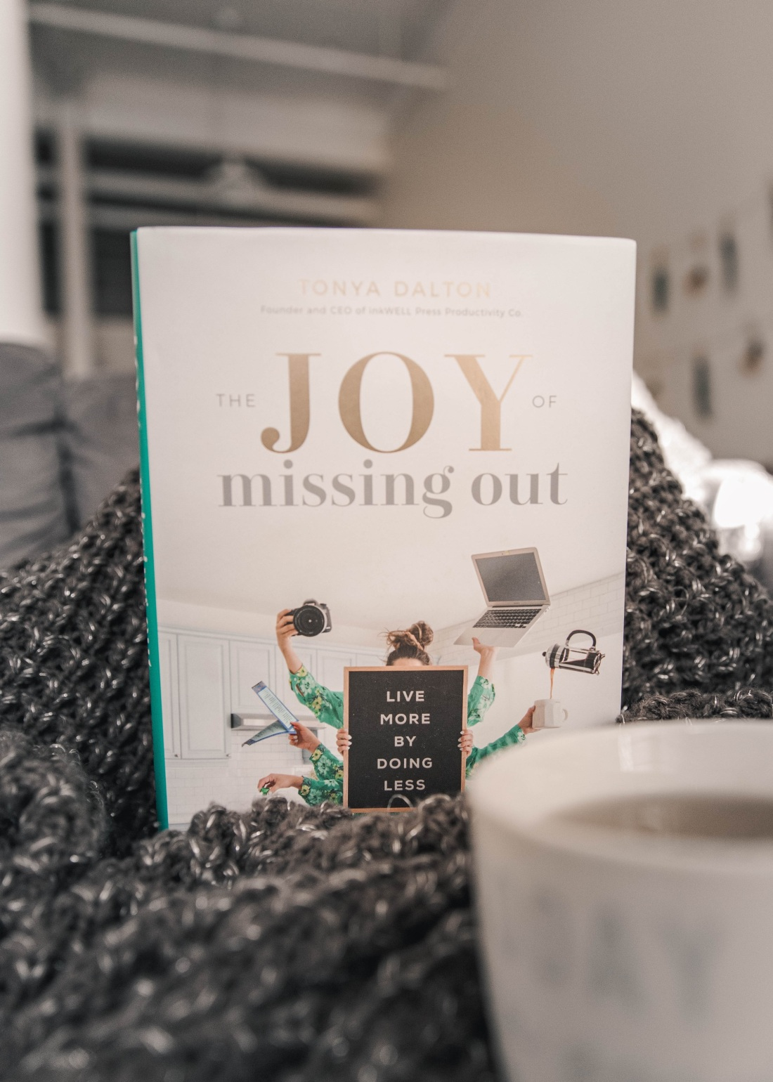 the joy of missing out Beating FOMO or the fear of missing out blog post by Nicole Eva